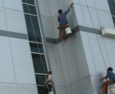 湘潭高空新宝6下载官方下载清洗的方法及安全意识